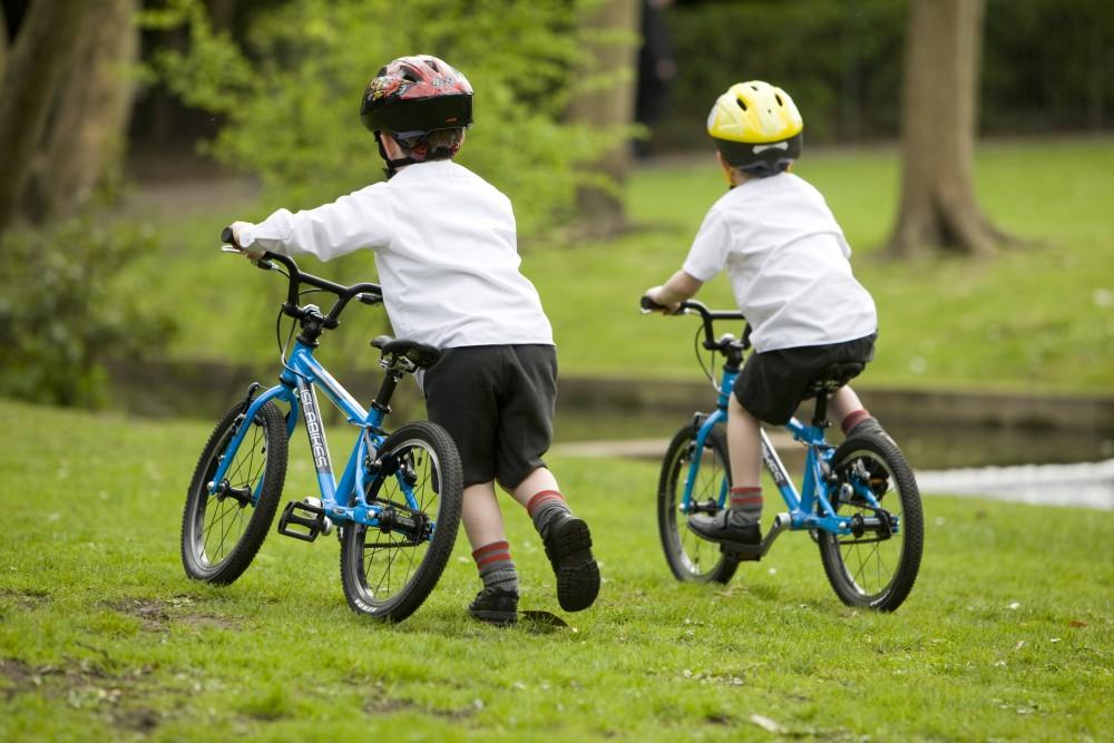 детский велосипед для подарка ребенку