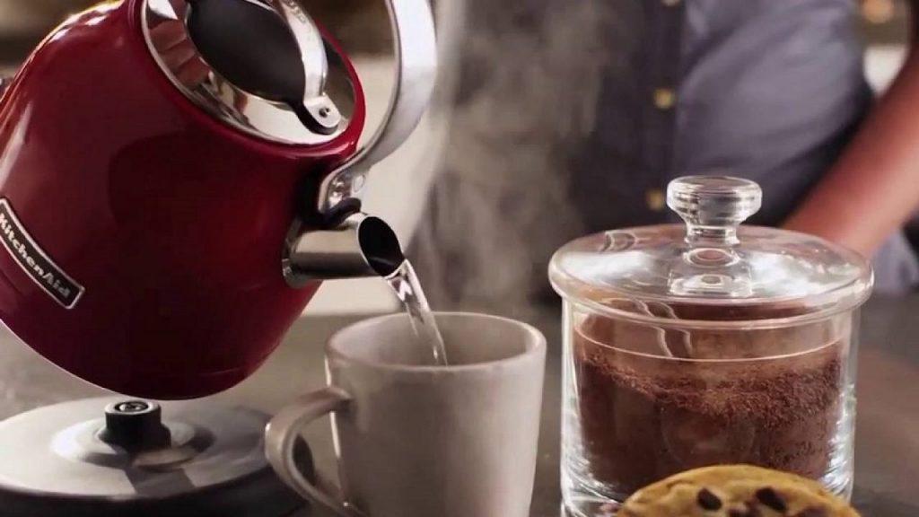 Чайник за вода - електрическа кана